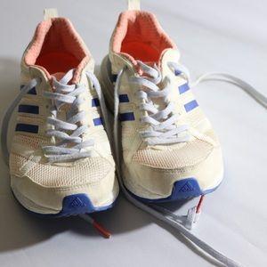 Adidas Tennie Shoes